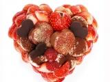 〈カフェコムサ〉バレンタインデーケーキ 「恋みのり」いちごとチョコレートのケーキ